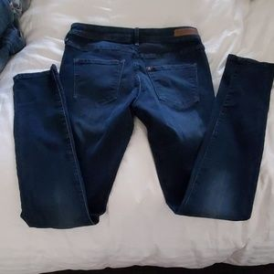H&M JEANS NEW SIZE 30/32 VERY COMFY AND CUTE